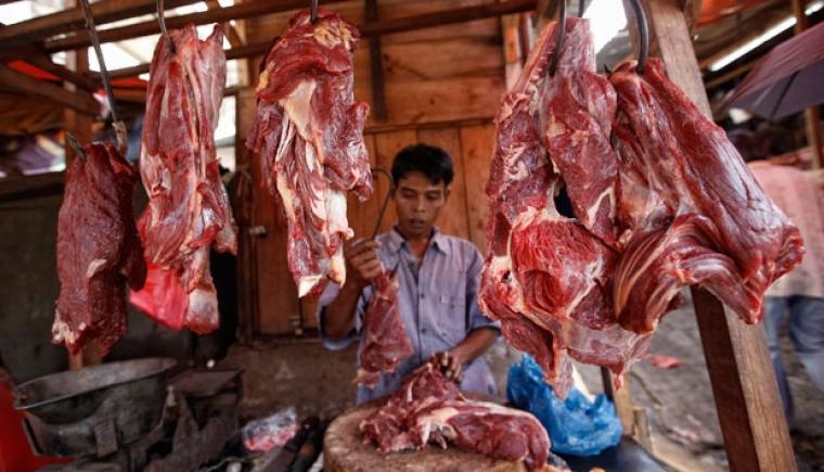 Pedagang daging sapi keluhkan harga