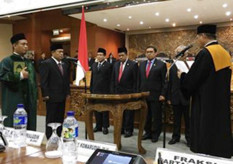 Suasana pelantikan Ketua DPR Ade Komarudin (Bara)