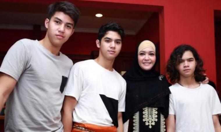 Maia Estianty bersama ketiga anaknya usai rayakan syukuran ulang tahun yang ke-40 (net)