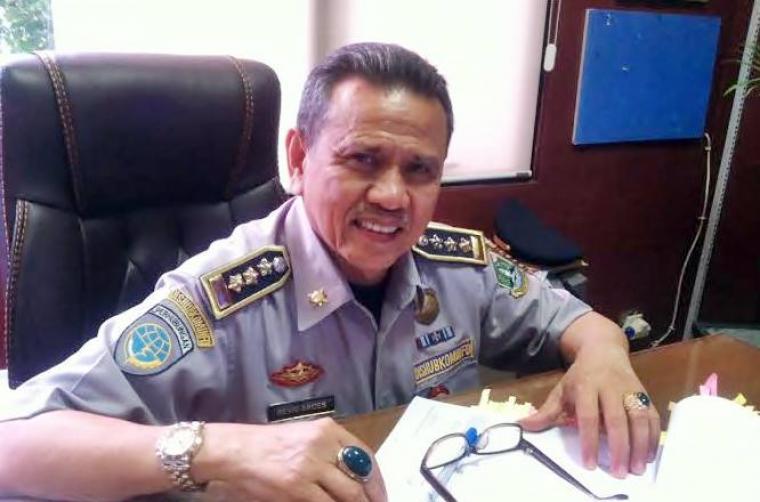Kepala Dishubkominfo Banten Revri Aroes