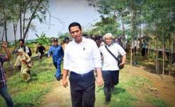 Bakal calon Gubernur Banten Embay Mulya Syarif saat memberikan keterangan kepada wartawan di Hotel The Royale Krakatau, Kamis (20/10/2016). (Foto: TitikNOL)