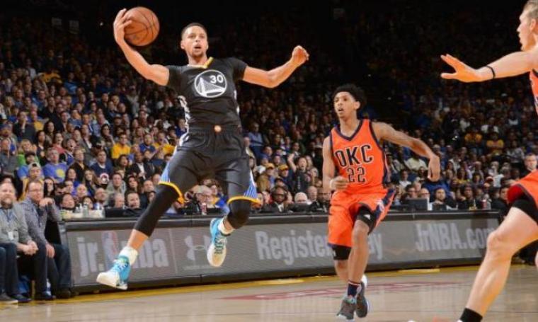 Golden State Warriors kalahkan Oklahama City Thunder 116-108 di oracle Arena. (Foto:net)