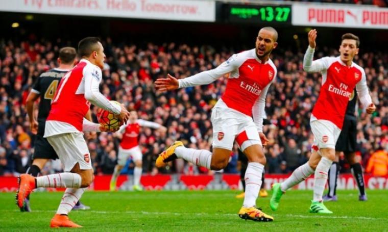 Rayakan selebrasi usai Walcott lakukan gol penyeimbang. (Foto:net)