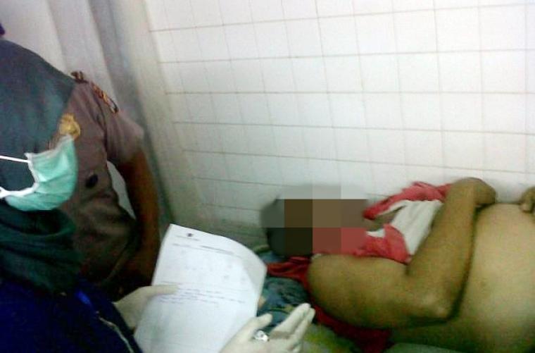 Sumadi, korban tewas akibat kapal morning ditabrak kapal muatan BBM saat berada dikamar jenazah RSKM Cilegon