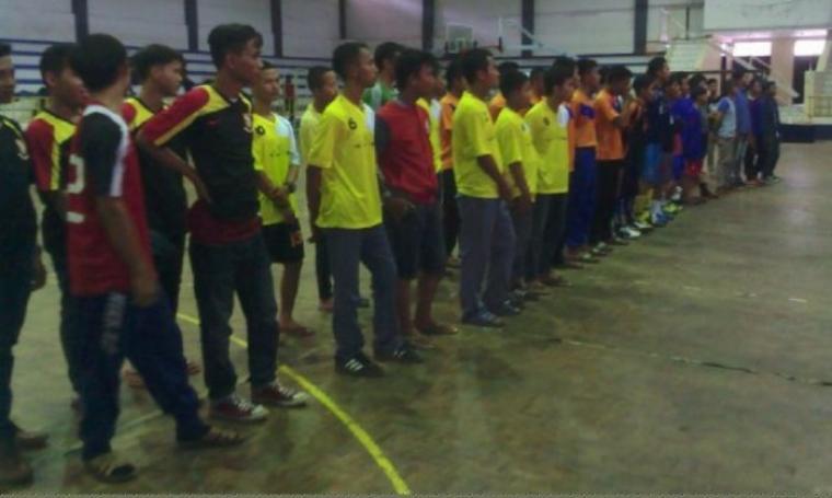 10 perwakilan pesantren saat mengikuti kegiatan turnamen futsal sekota Serang. (Foto:TitikNOL)