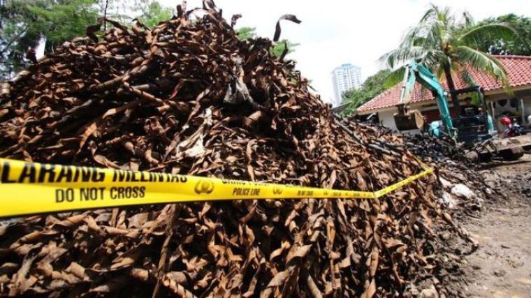 Tumpukan limbah bekas bungkusan kabel yang di ambil dari Jalan Medan Merdeka Selatan, Jakarta Pusat. (Dok:net)