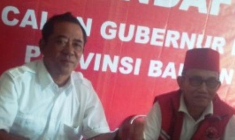 Mulyadi Jayabaya dan Ketua DPD PDI Perjuangan, M. Sukira. (Dok:net)