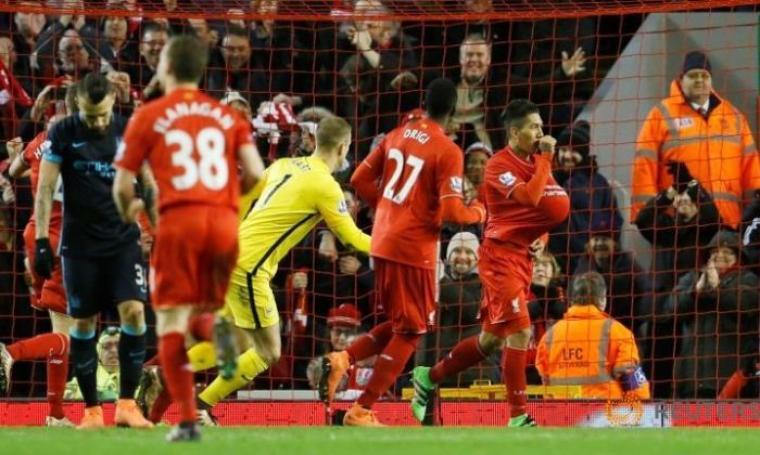 Selebrasi Roberto Firmino usai sarangkan gol ke-3 bagi Liverpool. (Dok:net)