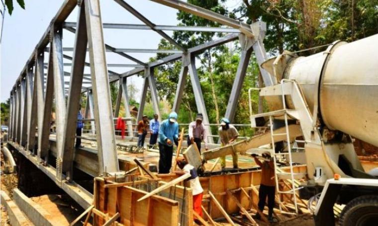 Ilustrasi pembangunan jembatan. (Dok:net)