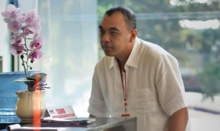 Bupati Kabupaten Tangerang, Ahmed Zaki Iskandar Zulkarnain saat berada di gedung KPK. (Dok:net)