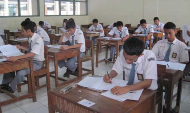 Foto ilustrasi siswa saat lakukan Ujian Nasional. (Dok:net)