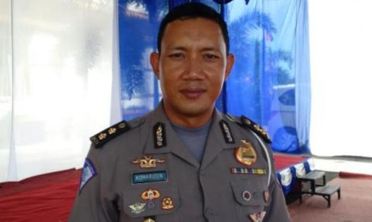 Kasubdit Regident Ditlantas Polda Banten, AKBP Komarudin saat dimintai keterangan oleh wartawan. (Foto:TitikNOL)