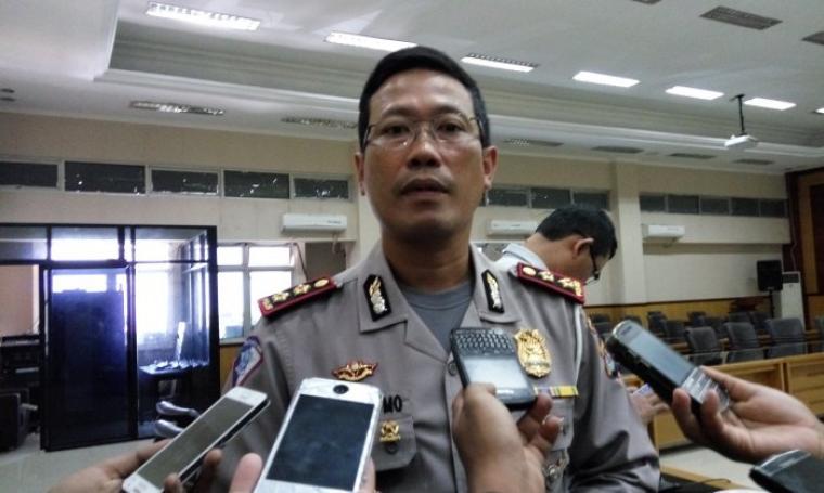 Dirlantas Polda Banten, AKBP Djati Utomo saat di wawancara pihak wartawan. (Foto:TitikNOL)