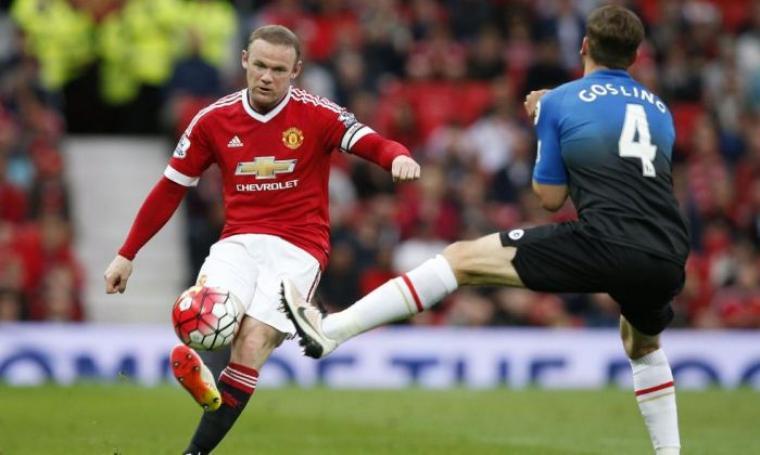 Sepakan Rooney yang berbuah gol ke gawang Bournemouth. (Dok:net)