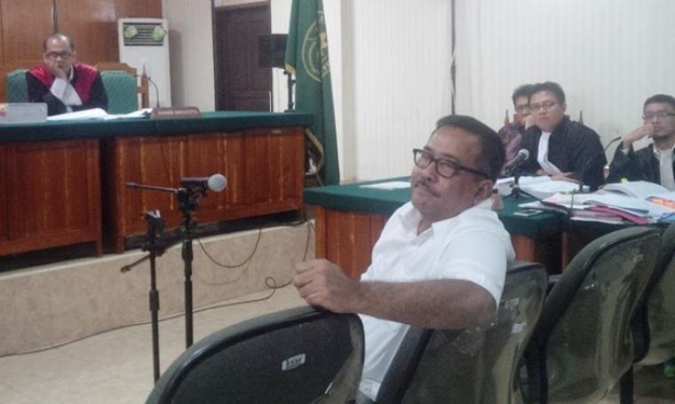 Gubernur Banten, Rano Karno saat di persidangan. (Dok:net)