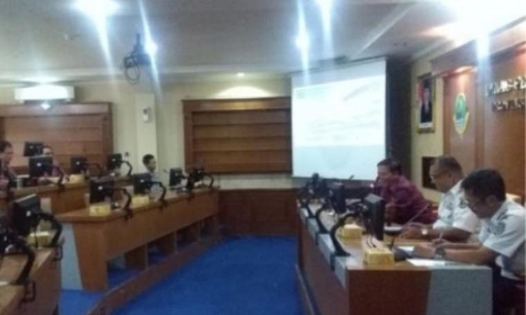 DPRD Provinsi Banten saat melakukan koordinasi program pengendalian operasional transportasi di Kantor Dishub Provinsi Jabar di Bandung, Selasa (3/5/2016). (Foto:ist)