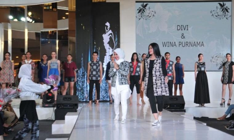 Pagelaran Fashionshow Batik Lebak rancangan Divi dan Wina Purnama saat di acara JFFF 2016 Sumarecon, Kelapa Gading. (Foto:TitikNOL)