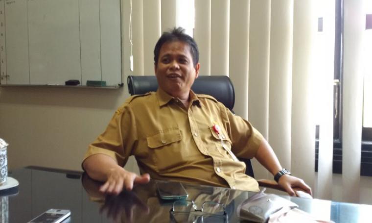 Kepala Biro Organisasi, Dian Wirtadipura saat di temui wartawan di ruangannya. (Foto:TitikNOL)