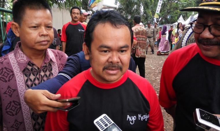 Wali Kota Serang, Tubagus Haerul Jaman saat memberikan keterangan kepada wartawan. (Foto:TitikNOL)