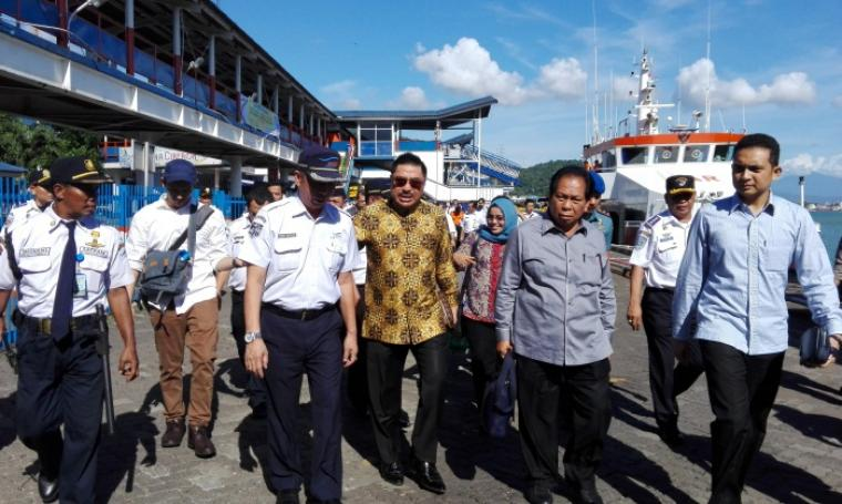 Komisi V DPR RI Saat Meninjau Pelabuhan Merak. (Foto: TitikNOL)