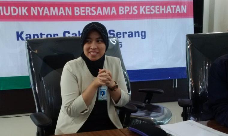 Kepala BPJS Kesehatan Cabang Serang, Elisa Adam saat memberikan keterangan pers mengenai pelayanan kesehatan mudik Lebaran 1437 H, di Kantor BPJS Kesehatan Kota Serang. (Foto: TitikNOL)