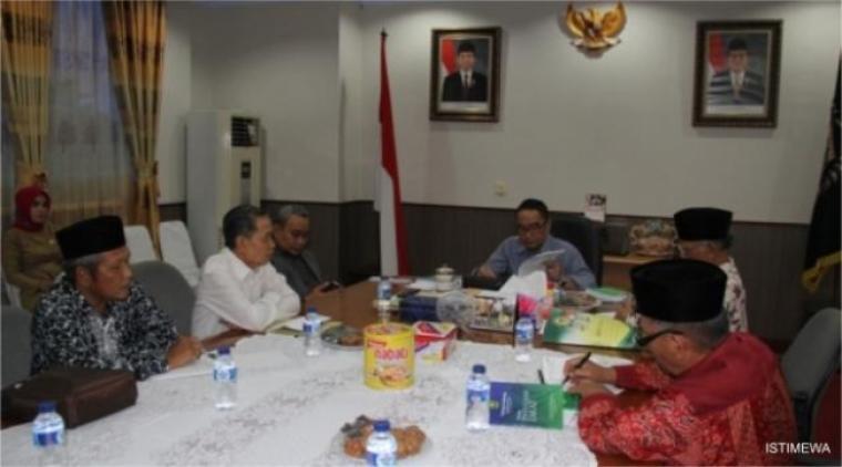 Ketua DPRD Banten saat menemui perwakilan dari Baznas Provinsi Banten. (Foto: Ist)
