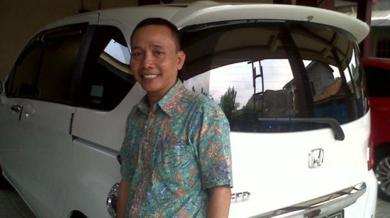 Ayahanda Ayu Ting Ting, Abdul Rojak. (Dok: Selebritishow)