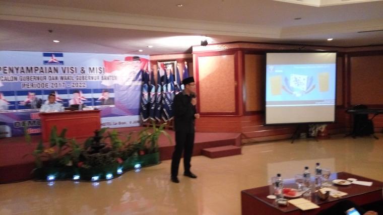 Bakal Calon Gubernur Banten, Andika Hazrumy saat menyampaikan visi dan misi. (Foto: TitikNOL)