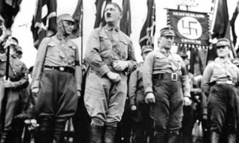 Ilustrasi Adolf Hitler dan pasukan Sturmabteilung (SA). (Dok: Youtube)