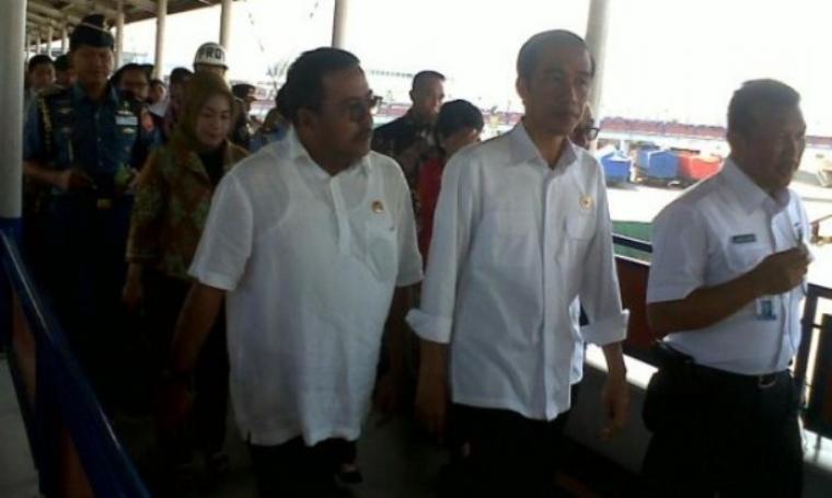 Presiden RI, Joko Widodo didampingi Gubernur Banten, Rano Karno saat berkunjung ke Pelabuhan Merak. (Dok: mylentera)
