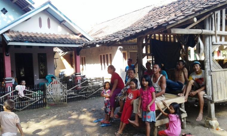 Suasana di Kampung Ranca Garut, Desa Sangiang Tanjung, Kecamatan Kalanganyar, Kabupaten Lebak. (Foto:TitikNOL)
