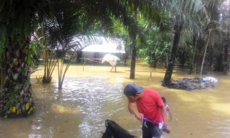 Kondisi Kampung Bejod, Kecamatan Wanasalam, Kabupaten Lebak yang terendam banjir. (Foto: TitikNOL)