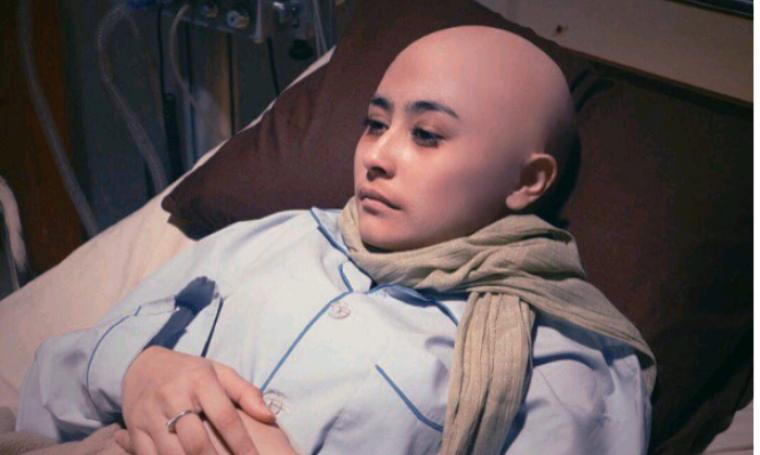 Agatha, peran Prilly Latuconsina dalam film Betapa Aku Mencintaimu (BAM). (Dok: Instagram/prillylatuconsina96)