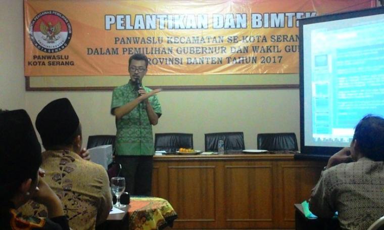 Komisioner Paswascam se-Kota Serang saat mengikuti bimtek usai acara pelantikan di Hotel Puri Kayana, Kota Serang, Kamis (4/8/2016). (Foto: TitikNOL)