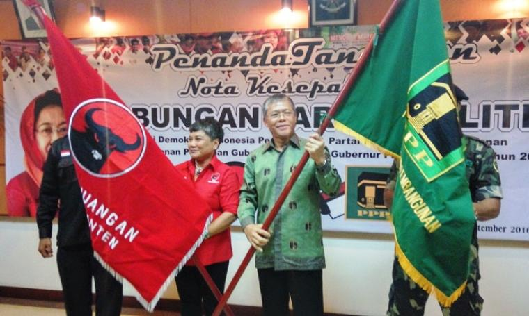 Pengurus DPP PDIP yang juga Korwil Jabar Banten Ribka Tjiptaning dan Ketua DPW Banten Agus Setiawan saat meresmikan koalisi kedua partai di Hotel Ledian, Kota Serang, Jumat (2/9/2016). (Foto: TitikNOL