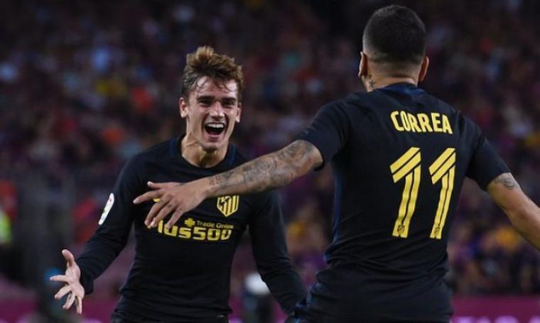 Selebrasi Angel Correa bersama Antoine Griezmenn usai cetak gol penyama kedudukan. (Dok: theguardian)