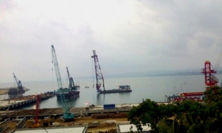 Dermaga khusus Pelabuhan PT Cemindo Gemilang yang berada di Kecamatan Bayah, Kabupaten Lebak. (Dok: banpos)