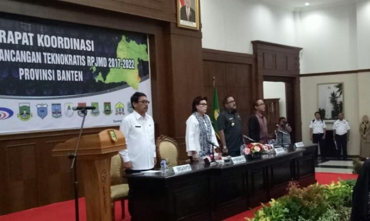Suasana rapat Koordinasi Penyusunan Rancangan Teknokratis RPJMD 2017 - 2022 Provinsi Banten, di Pendopo Gubernur Banten, KP3B, Curug, Kota Serang, Selasa (11/10/2016). (Foto: TitikNOL)