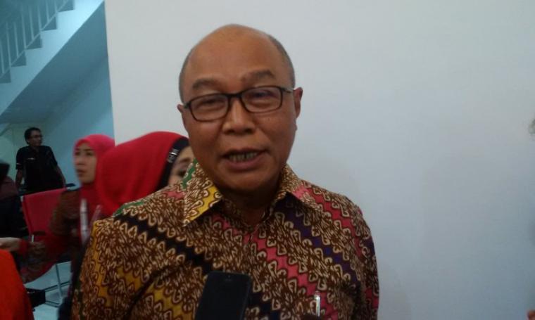 Direktur PT BGD Sudibyo saat memberikan keterangan kepada awak media di sela konferensi pers peluncuran Bank Banten, Selasa (4/10/2016).. (Foto: TitikNOL)
