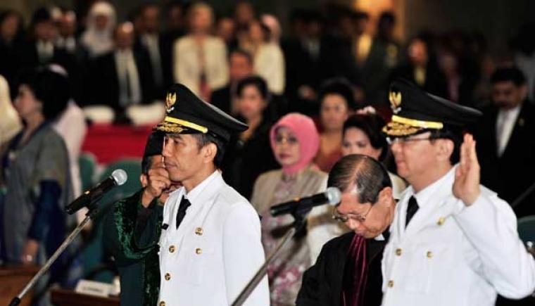 Gubernur dan Wakil Gubernur DKI Jakarta terpilih Joko Widodo dan Basuki Tjahaja Purnama saat dilantik.(Dok: tempo)
