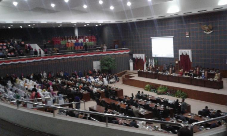 Suasana Paripurna Hari Jadi Provinsi Banten yang digelar di ruang rapat DPRD Banten, Selasa (4/10/2016). (Foto: TitikNOL)
