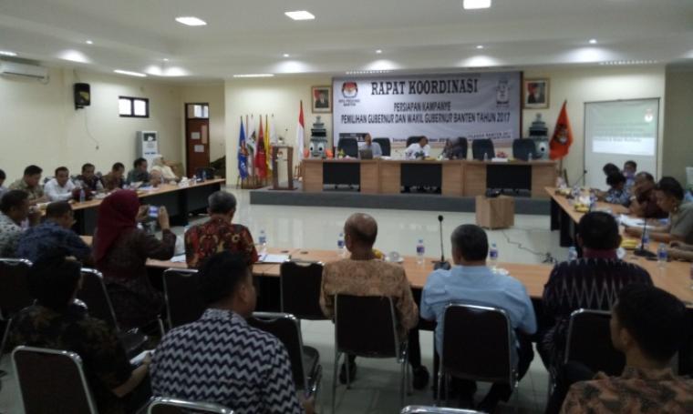 Suasana Rapat Koordinasi Persiapan Kampanye di Aula KPU Banten, Kamis (13/19/2016). (Foto: TitikNOL)