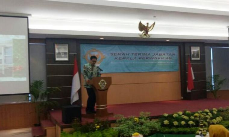 Sekda Banten Ranta Soeharta saat memberikan sambutan di acara Sertijab Kepala BPK Perwakilan Banten di Auditorium BPK Banten, Kamis (3/11/2016). (Foto: TitikNOL)