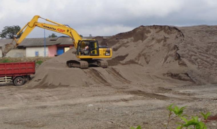 Ilustrasi tambang pasir. (Dok: katariau)