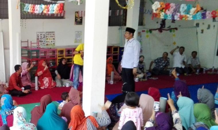 Suasana kampanye yang dilakukan calon Wakil Gubernur Banten Andika Hazrumy beberapa waktu lalu di PAUD Madaarijul Ulum. (Dok: TitikNOL)