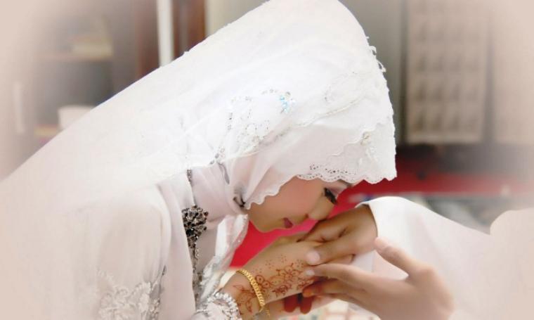 Image result for 7 Amalan Rasulullah Dalam Menjaga Hati Isteri Yang Wajib Semua Suami Tahu