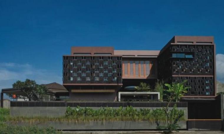 Ilustrasi Rumah botol Ridwan Kamil. (Dok: Konseprumahunik)