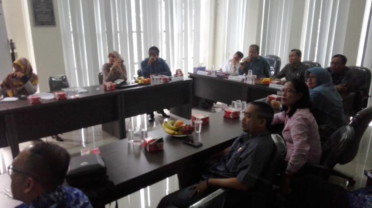 Komisi III DPRD Kota Cilegon saat melakukan kunjungan kerja ke PT PCM. (Foto: TitikNOL)
