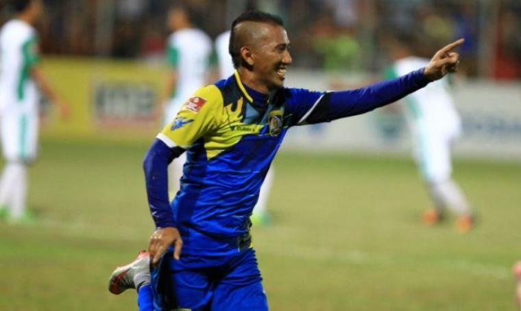 Selebrasi Siswanto usai mencetak gol. (Dok: Aktualpost)