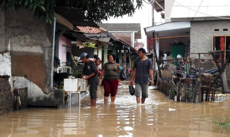 Ribuan rumah warga di Kecamatan Pulomerak terendam banjir. (Foto: TitikNOL)